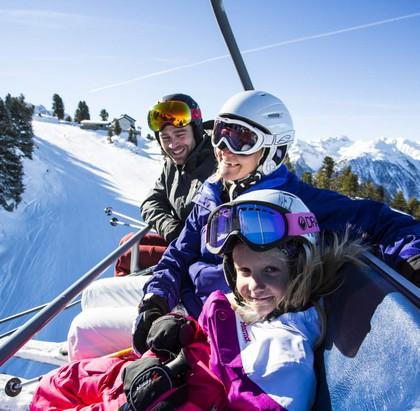 Familienfreude im Winterurlaub